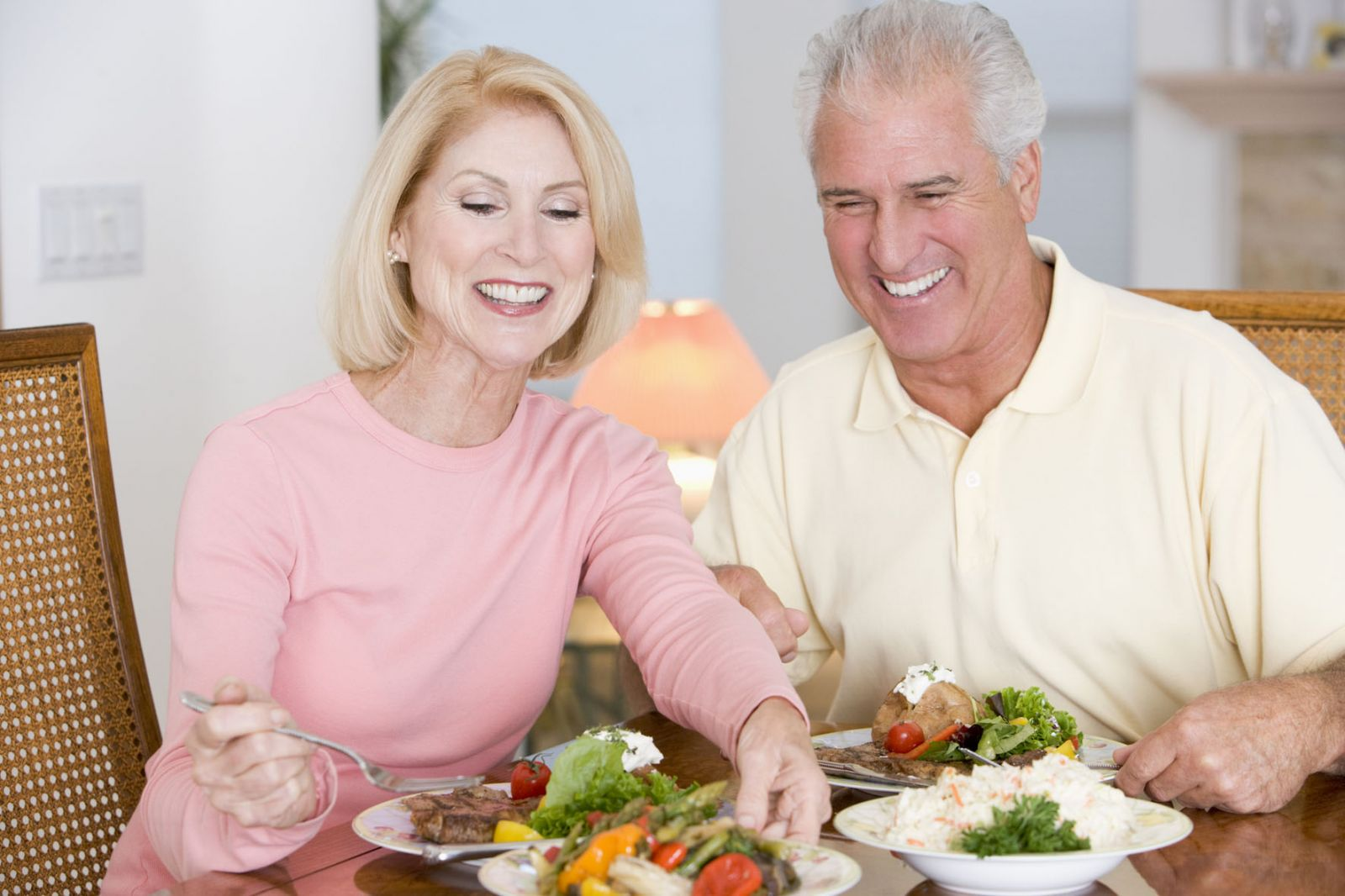 Каким должен быть витаминный комплекс при климаксе у женщин