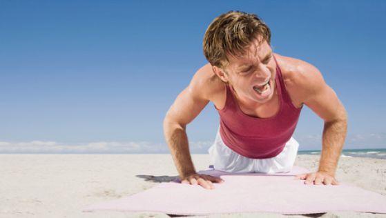 Болит правое плечо причины характерные симптомы болезней лечение