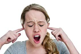 Звон и шум в ушах при шейном остеохондрозе: симптомы, лечение ...