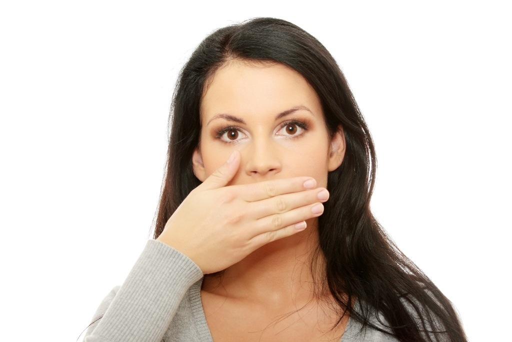во рту неприятный привкус запах изо рта
