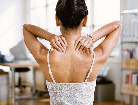 Боли на спине в области шеи и плеч 177