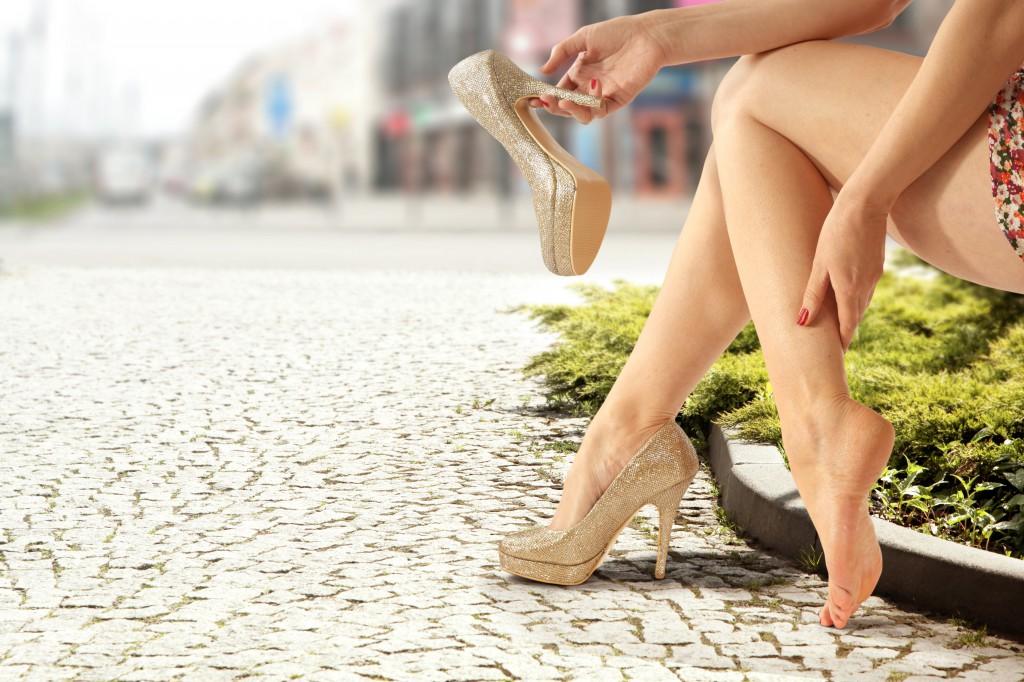 Болит нога в области колена и ниже лечение