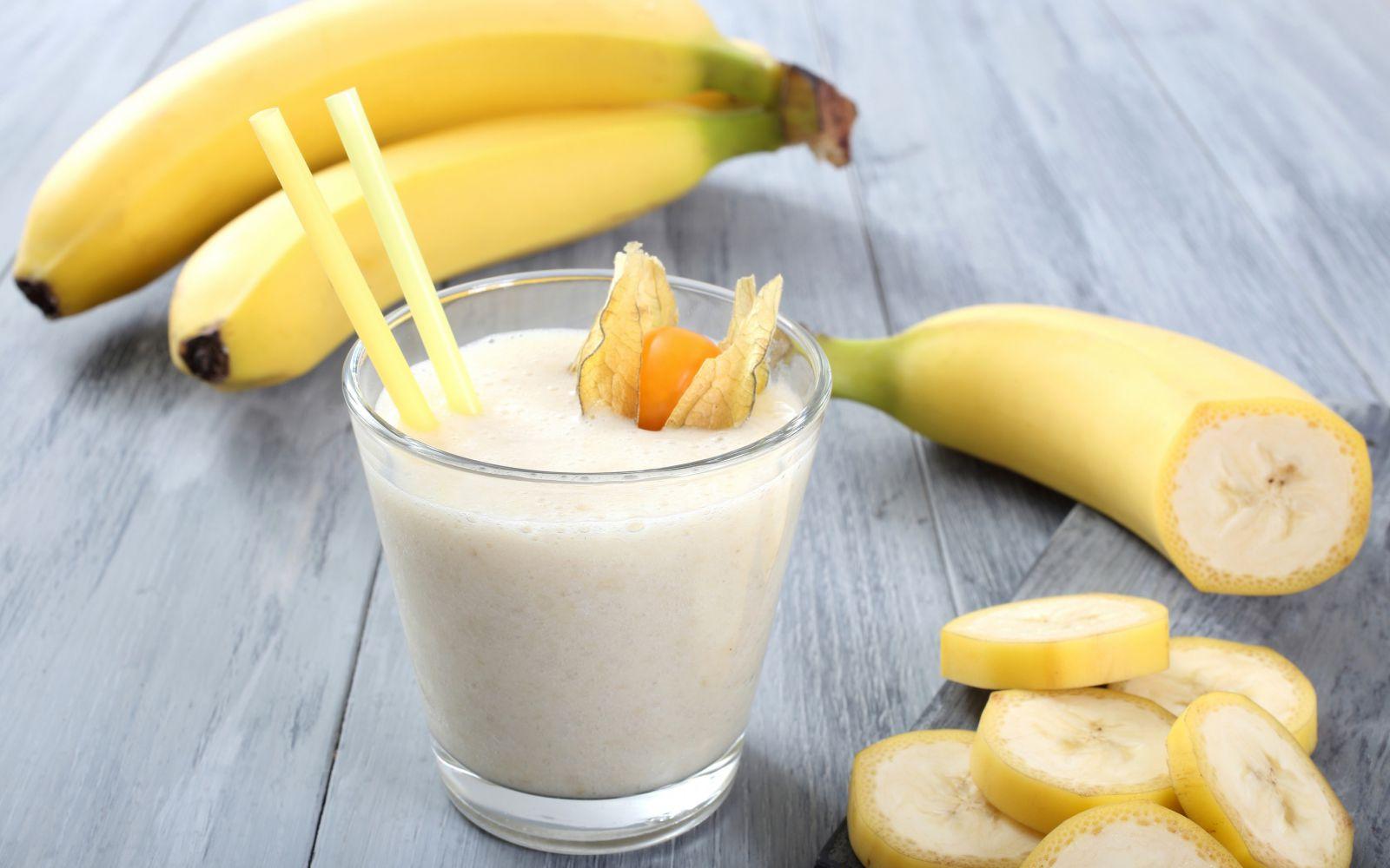 Банановый коктейль в блендере рецепт пошагово в