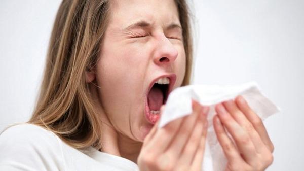 Вирус насморк слезы из глаз чихание