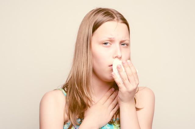 Приступы сухого кашля у взрослых