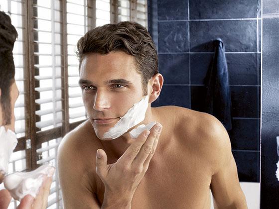 Лучше гель или пена для бритья? Что лучше для кожи и почему. Как выбрать средство для бритья. Что лучше: крем, пена или гель