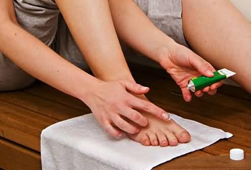 Размягчить ногти на ногах быстро