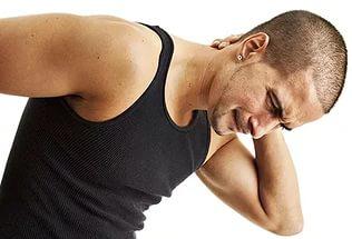 Хруст в лопатке при вращении плечом возможные причины и что делать