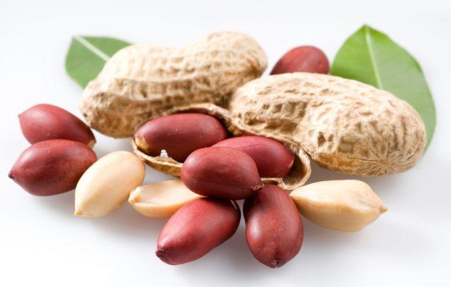В каком виде можно есть арахис и полезен ли он для здоровья: мнение специалистов