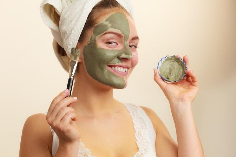 Как правильно наносить альгинатную маску на лицо