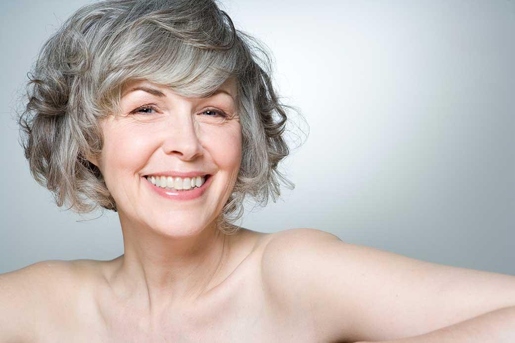 Уход за волосами для мужчин и женщин в пожилом возрасте