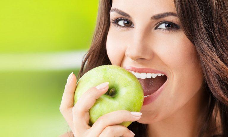 Можно ли взрослым есть детское питание. Взрослым стоит употреблять продукты для детского питания
