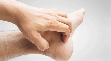 Зуд внутри ноги
