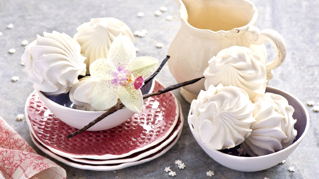 Калорийность зефира белого и в шоколаде, 1 штука и 100 грамм