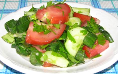 салат из огурцов и помидоров рецепт калорийность