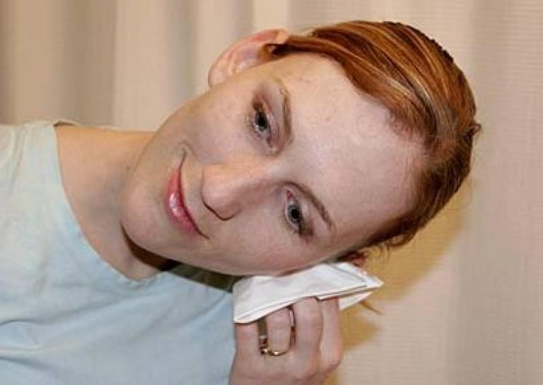 Попала в ухо вода на следующий день болит ухо и плохо слышит