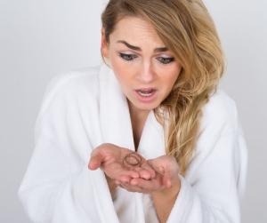 Сколько волос должно выпадать после мытья