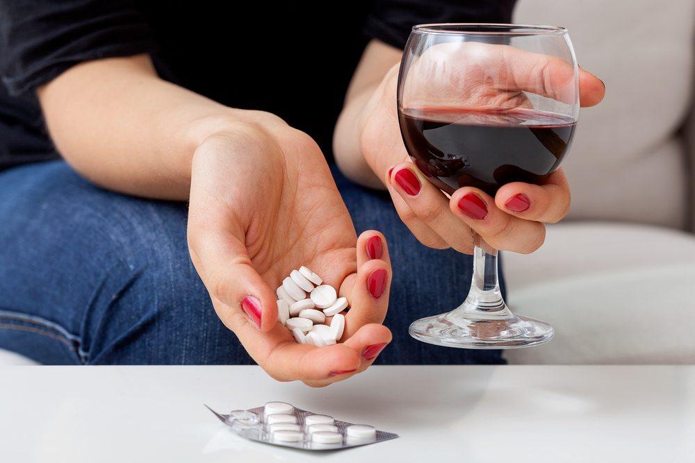 Запомните: алкоголь и таблетки - недопустимое сочетание!