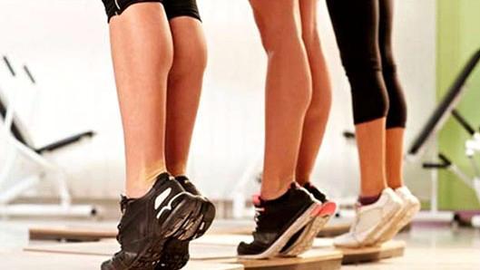 Как быстро накачать икры ног девушке и мужчине в домашних условиях