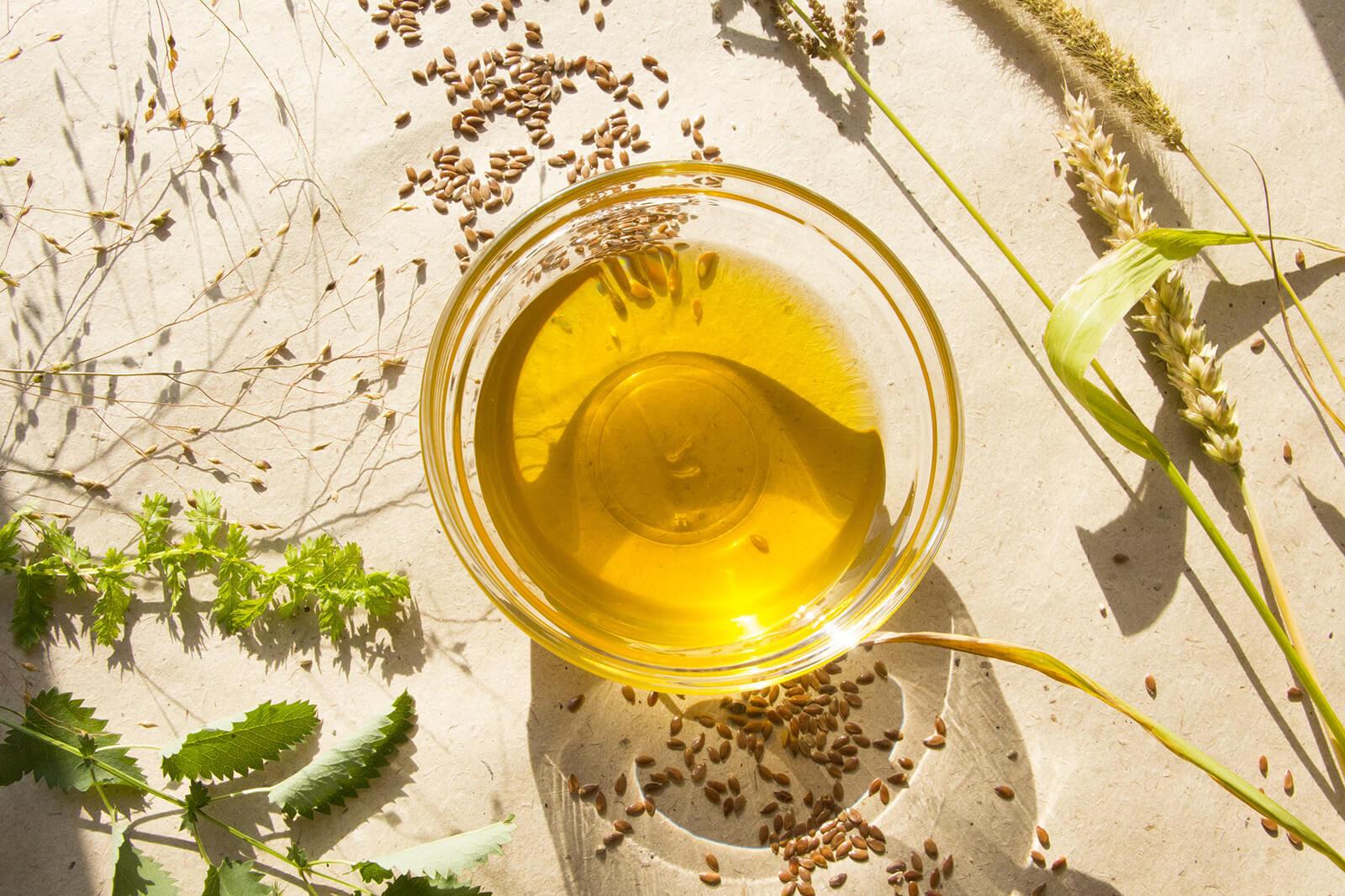 Как пить льняное масло в лечебных