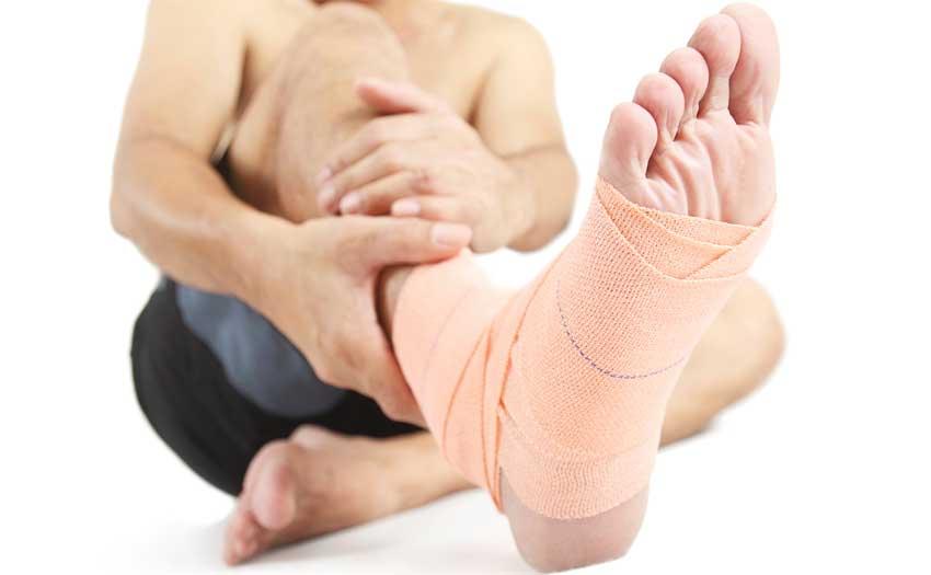 Болит голень ниже колена сзади